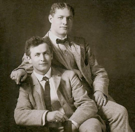 Theodore Hardeen with his brother Harry Houdini